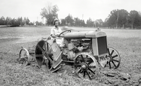 Myrtle modeled for the Ford Company, however, this picture has gone viral, many stating she is an example of woman farmer -- not quite!